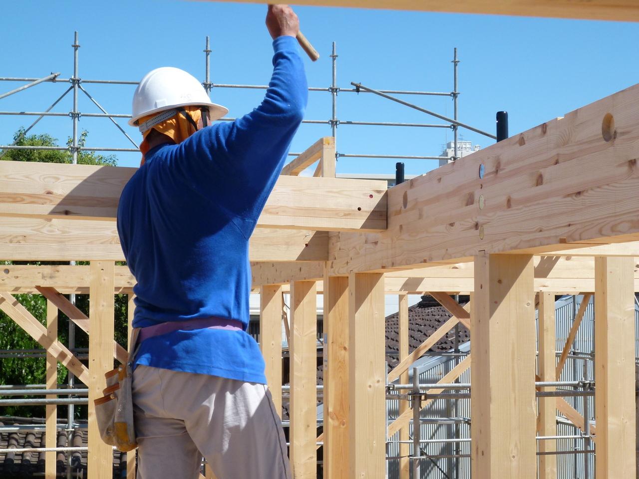 建築業界が不動産価格に与える影響とは
